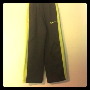 4 for $18 sale Nike thermafit boys warmup pants